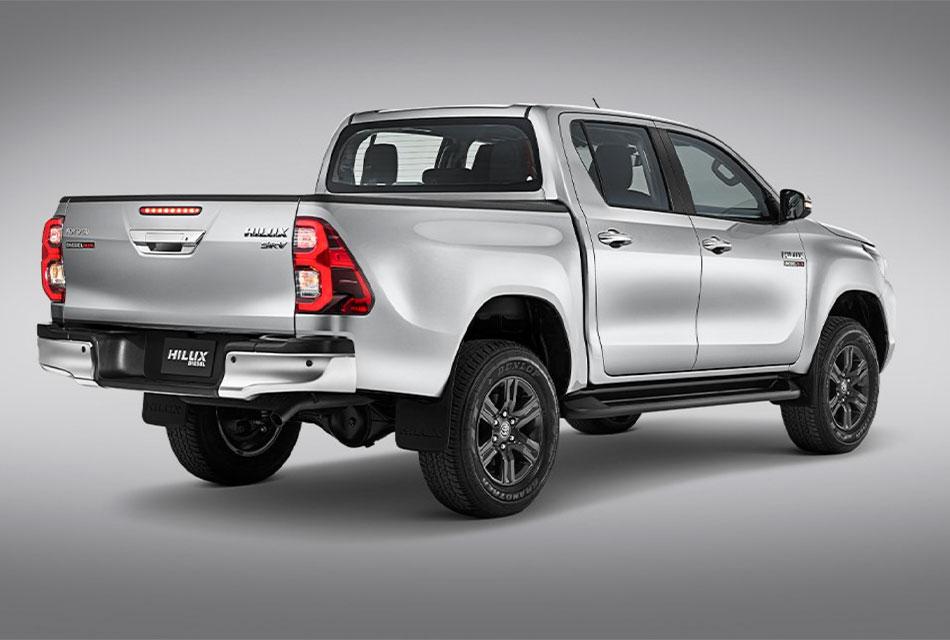 Toyota Revolución entrega una Hilux a MOJA