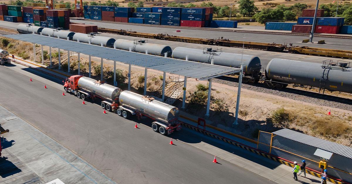 UNNE Logistics con servicio Door to Door