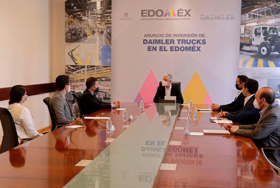 30 mdd invertirán en Daimler Planta Santiago
