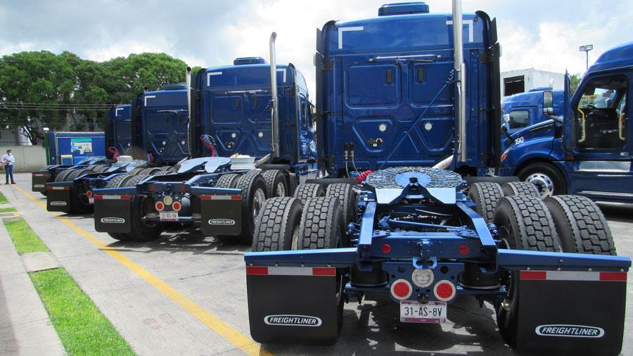 Transportes Azteca integra 10 Cascadia con DD16