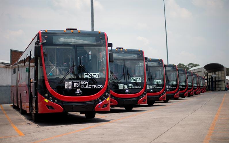 Flota eléctrica entra en operación en Metrobús