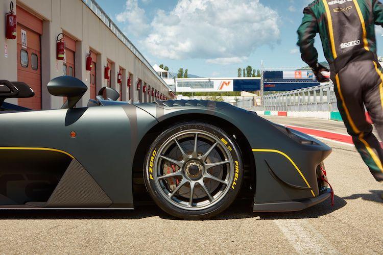Pirelli P Zero Slick hacen volar el Stradale EXP