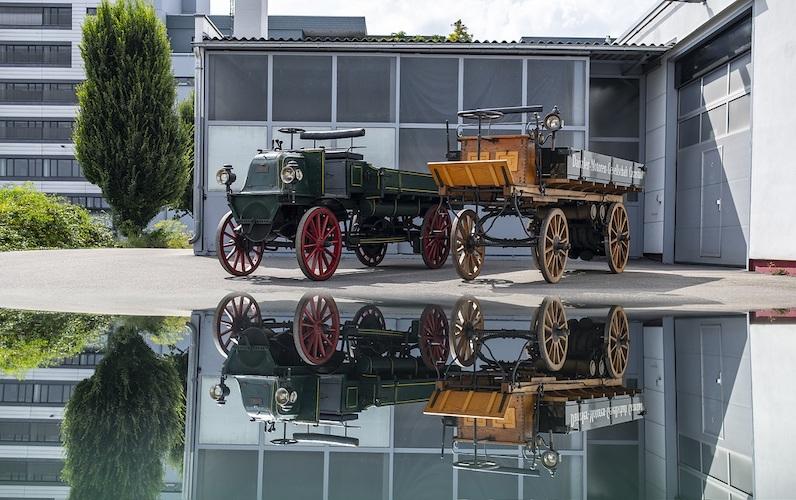 Primer camión Mercedes-Benz.jpeg