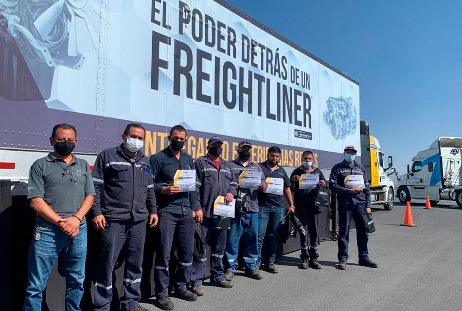 Gira Freightliner en México ha capacitado a 8 mil personas