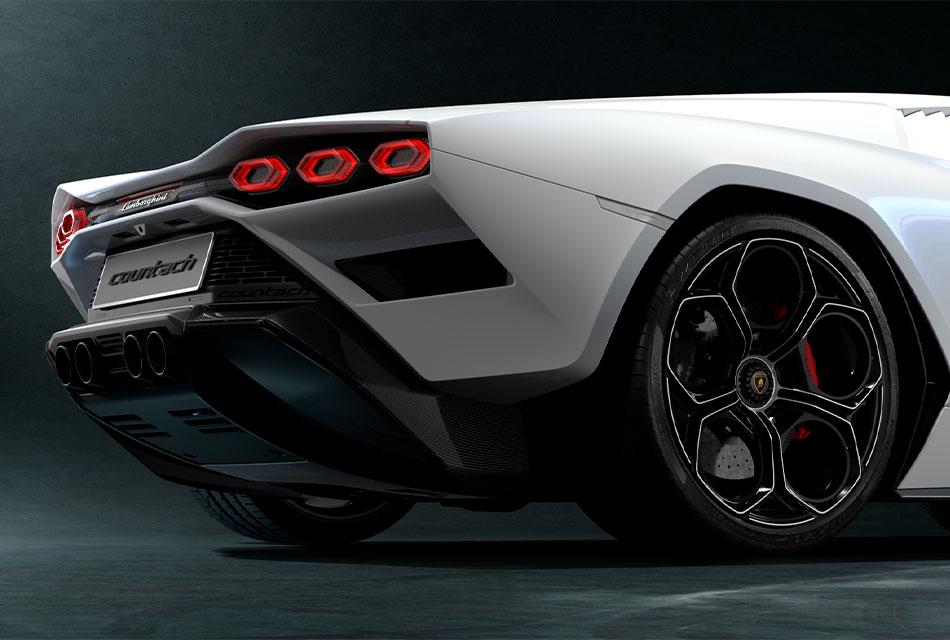 50 años de Pirelli y Lamborghini Countach