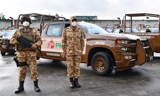 Pemex estrena vehículos contra robo de combustibles