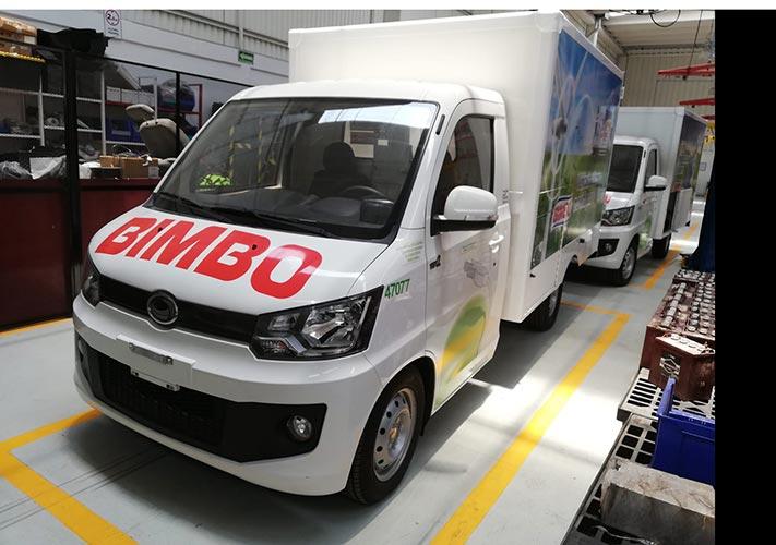 Mil 200 vehículos eléctricos en la flota de Bimbo